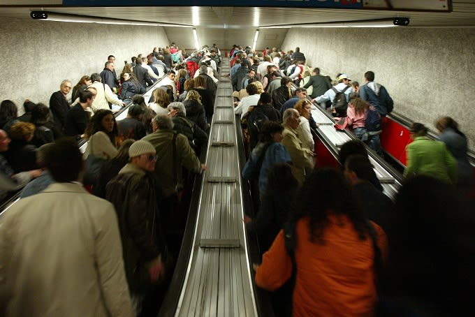 rome-escalator-malfunction