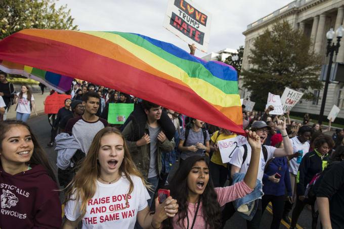 washington area high schoolers protest trump