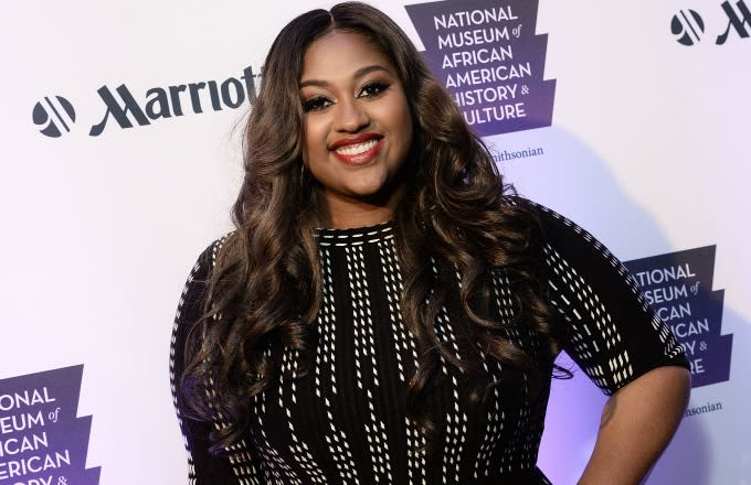 Jazmine Sullivan on the red carpet.