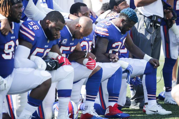 NFL Kneel