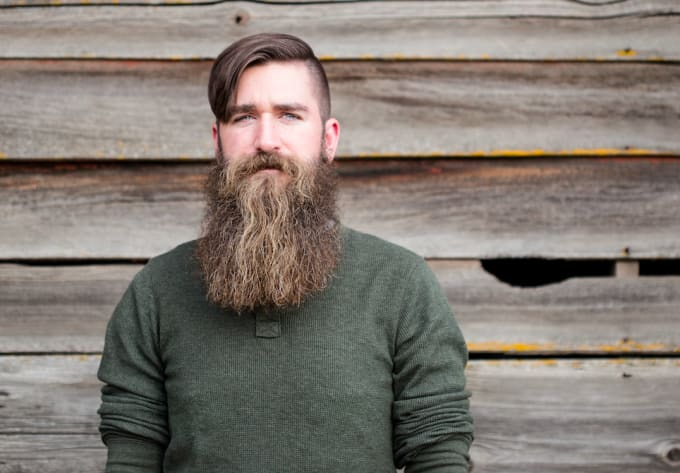 f9d55e162f11 10-signs-dress-like-hipster-comb-your-beard