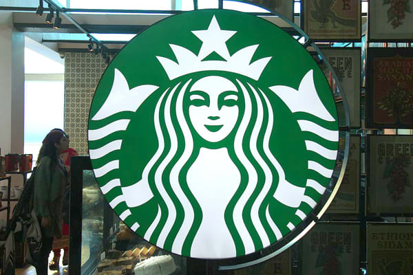 most-iconic-brand-logos-starbucks