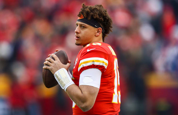 368d5e819627 Patrick Mahomes Becomes 2nd Ever to Throw 50 TDs and 5