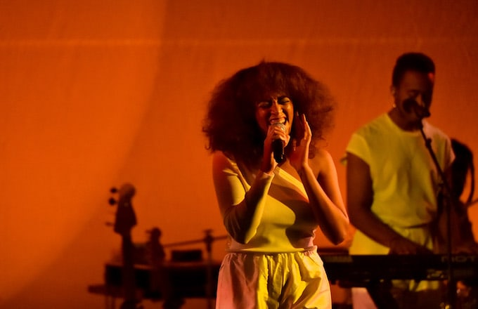 Solange Knowles performing.