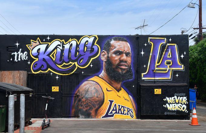 LeBron James Lakers mural