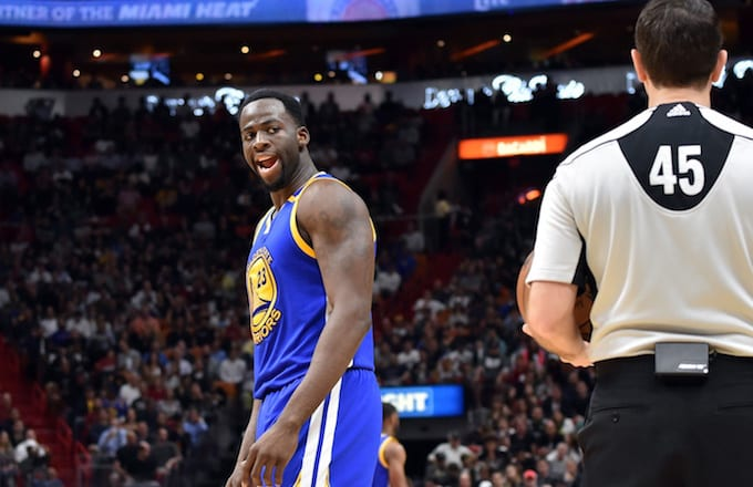 Draymond Green gets into it with referee