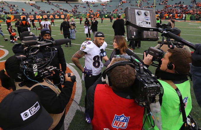 Steve Smith speaks with reporter in final NFL game.