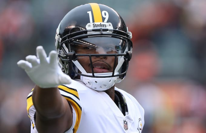 3afa5156d3a JuJu Smith-Schuster Tried Winning the Mega Millions to Help End Le Veon  Bell s Holdout