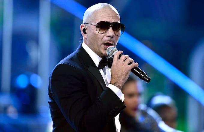 Pitbull at the AMAs