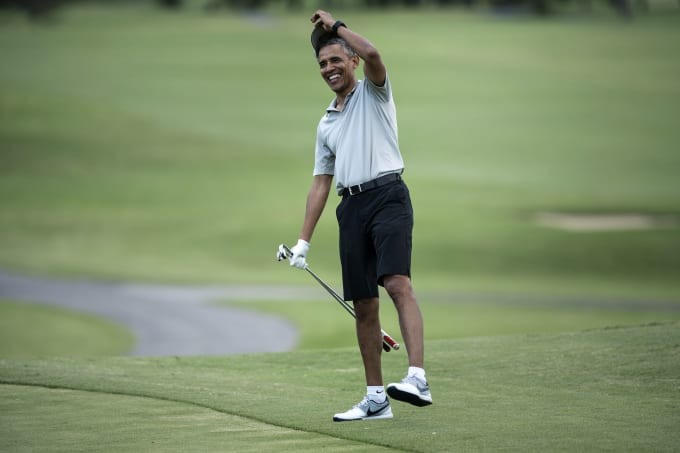 83bfbf1ab28e8b Obama epically clapped back at Mike. President Obama Hawaii Golf 2015