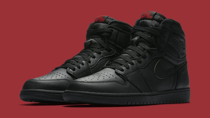 Air Jordan 1 Black Red 555088-022