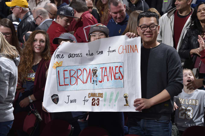 LeBron James Fans