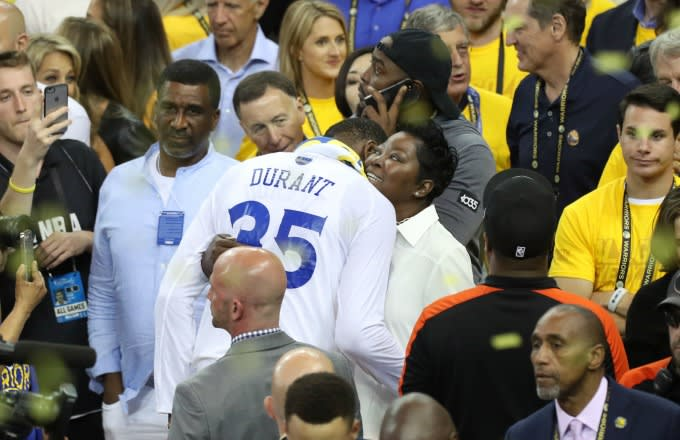 90e0681d957 Kevin Durant s Mom s Response to Warriors Pulling Out Game 3 Win Has ...
