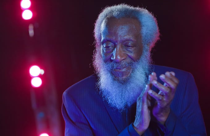 http://images.complex.com/complex/images/c_limit,w_680/fl_lossy,pg_1,q_auto/o6tp9v0kykqtmifm1q9f/dick-gregory-onstage-nyc