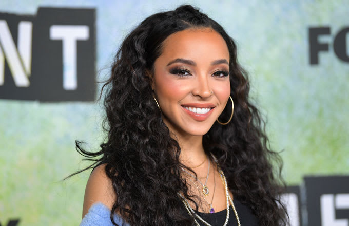 Tinashe at the red carpet for Fox's 'Rent'