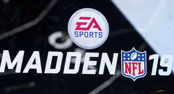Madden 19 logo.