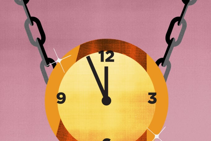 gold-chain-clock