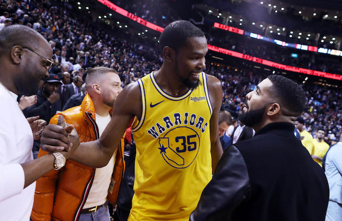 f5bfd94fc582 Buddies Drake and KD Provide the Week s Most Awkward NBA Moment ...