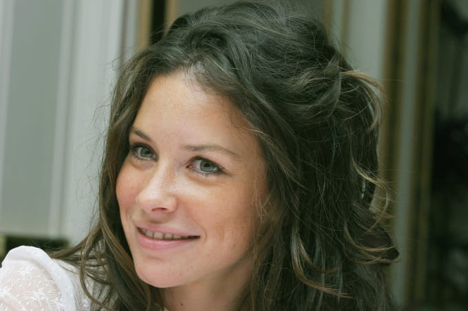 famous-actresses-start-horror-evangeline-lilly