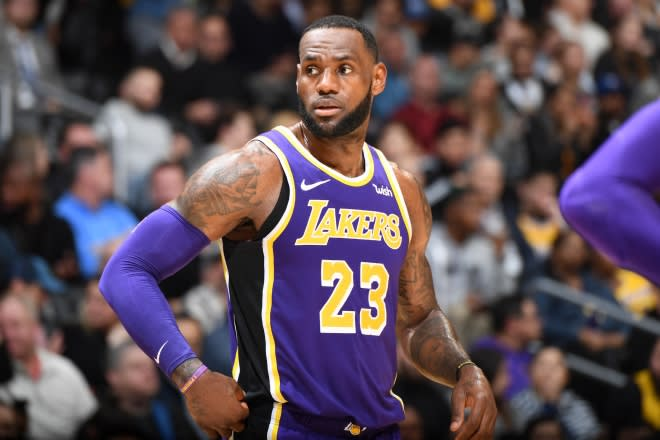 894dd1ddf71 Lakers Reportedly Limiting LeBron James  Minutes