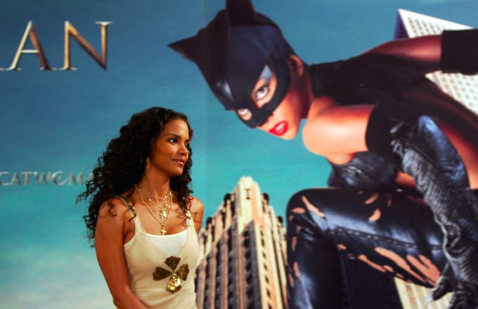 Catwoman Writer Admits It Was A Sht Movie With Zero Cultural