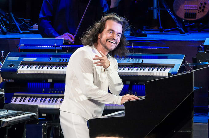 Yanni performing in Philadelphia