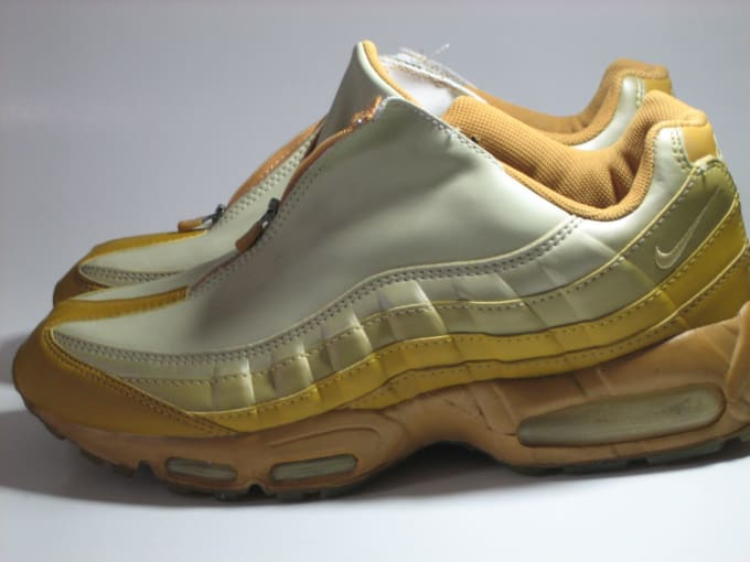info for 4154a a175e Nike Air Max 95 zipper. Image via EBay