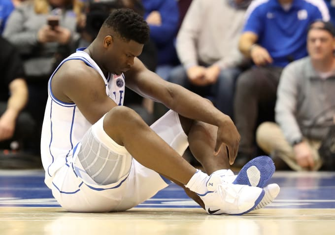 383b2566e90 Twitter Showed No Mercy After Zion Williamson Blew Out His Sneakers