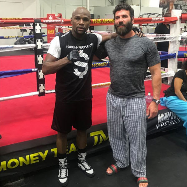 dan bilzerian bet an insane amount of money on floyd mayweather to beat conor mcgregor complex. Black Bedroom Furniture Sets. Home Design Ideas