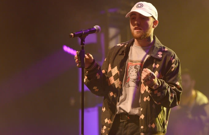 Ariana Grande's boyfriend Mac Miller cancels weekend gigs following Manchester attack