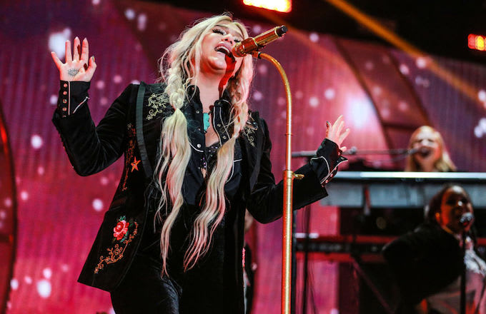Kesha at iHeartRadio festival