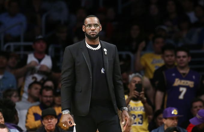 5a12267bfd2cb LeBron James Recalls Finding Out Magic Johnson Stepped Down   It Was Just  Weird