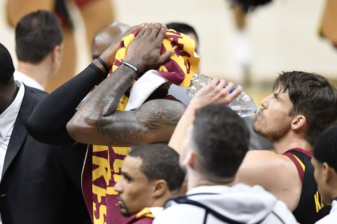 333f764812d Warriors Reportedly Knew About LeBron s Hand Injury After Game 1 ...