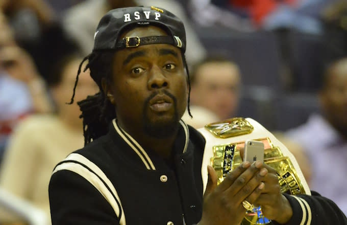 Wale attends Wizards game.