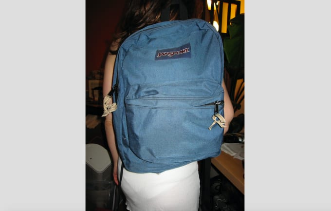 90-greatest-90s-fashion-jansport-backpack