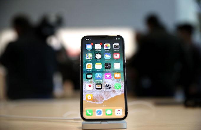 iPhone X in Cali