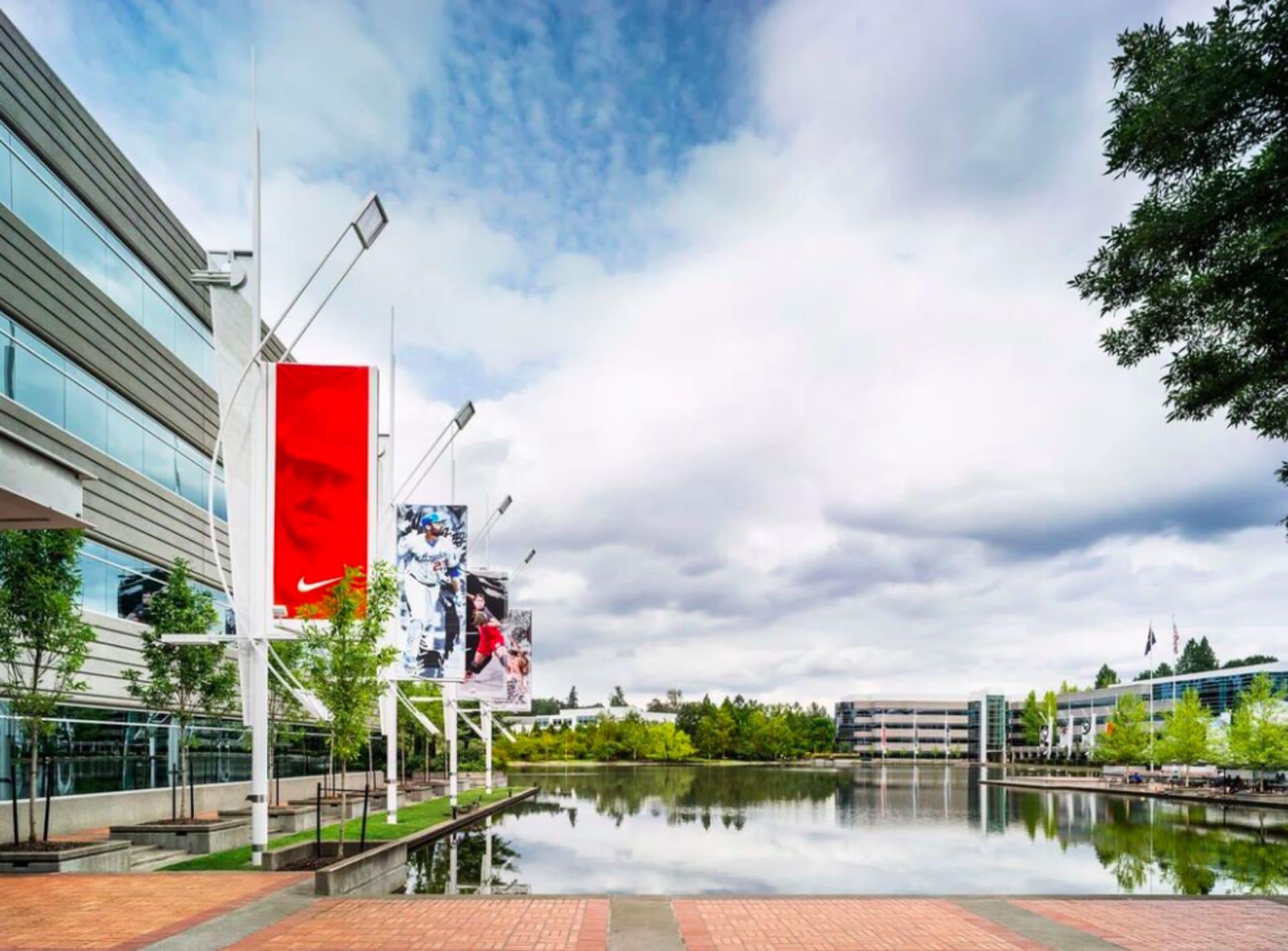 Nike's Look An Inside Oregon In Sprawling Complex Headquarters Depth wqHHnFExI