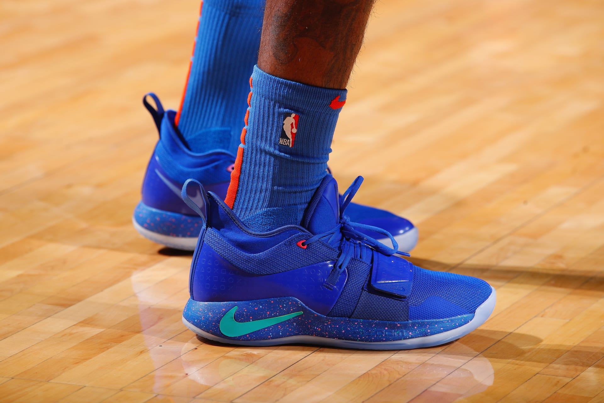 arrives b6e6b 230eb NBA Christmas Shoes: Best Sneakers Worn on Christmas Day ...