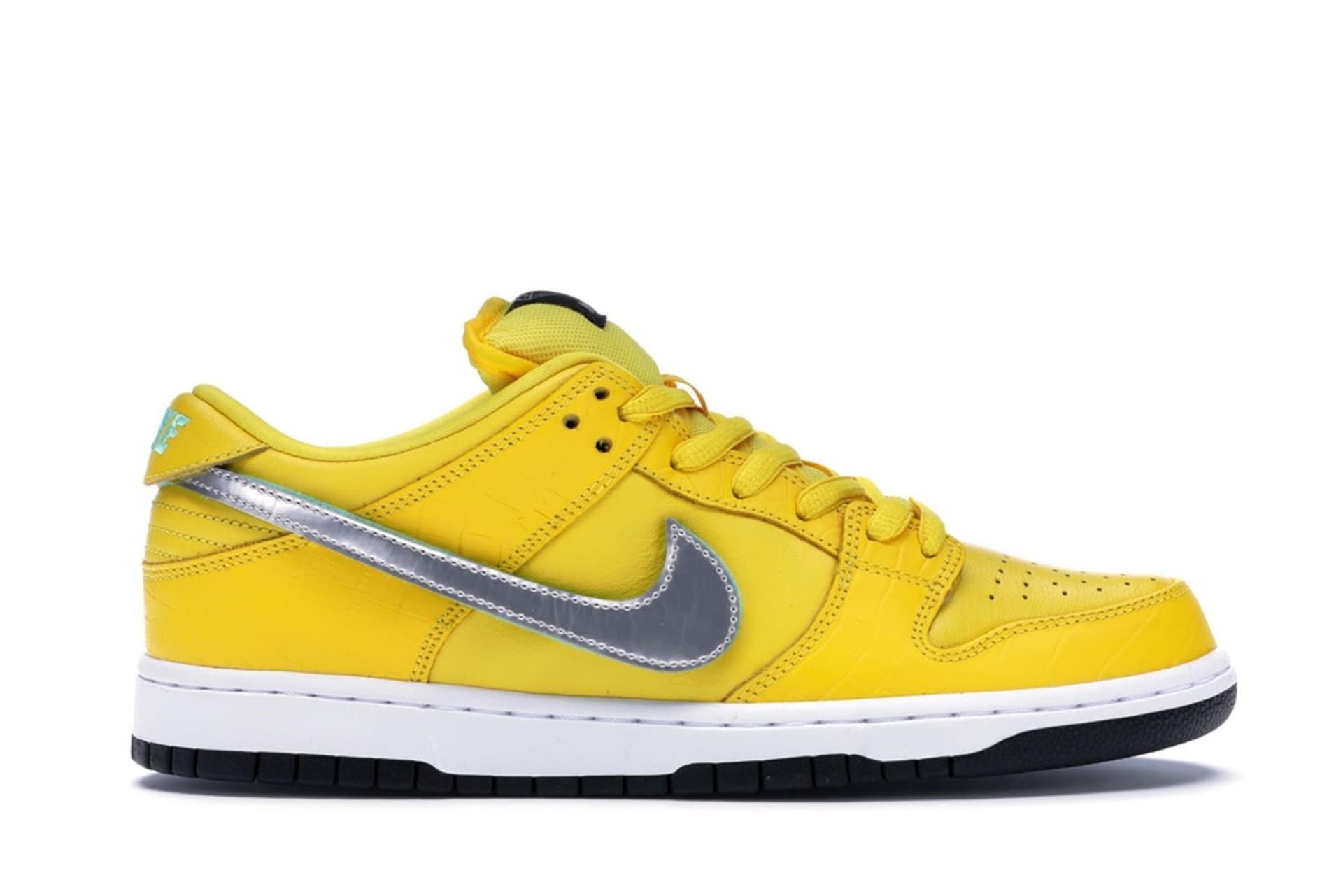 "f0460c2ebbed5 Diamond Supply Co. x Nike SB Dunk Low ""Canary"""