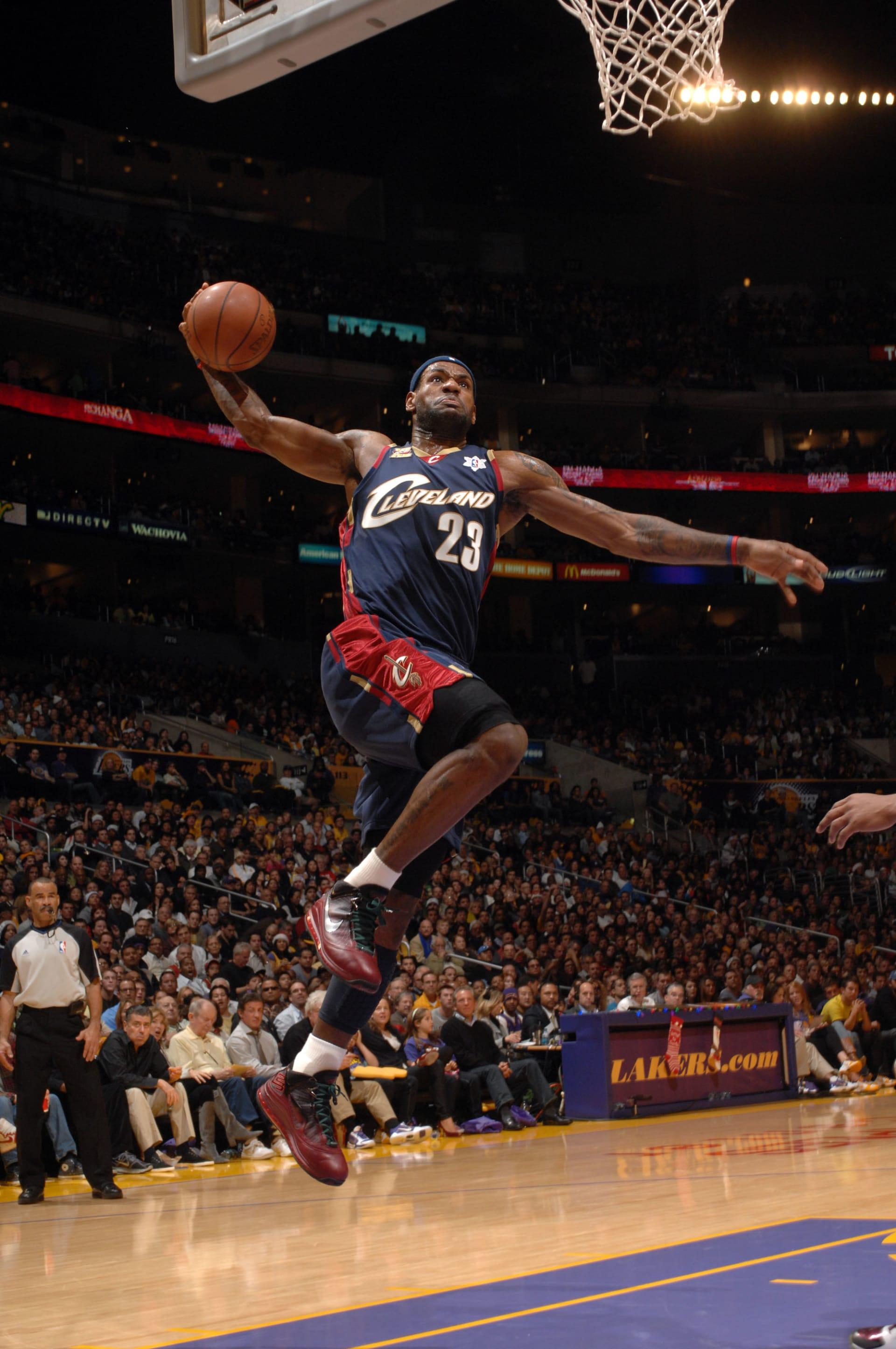 timeless design 92763 477d5 2009 - Nike LeBron 7  Christmas