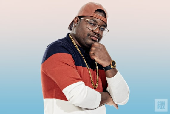 Lil Rel Howery Pose