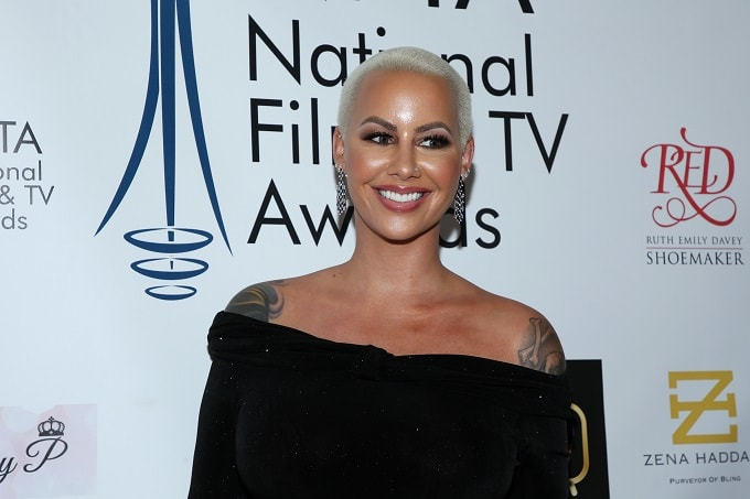 Amber Rose Calls Out 'Toxic Ass Fake Friends' Who Have Disappeared During Her Pregnancy