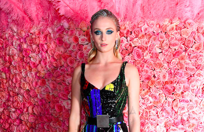 Sophie Turner Blames Emilia Clarke for 'Game of Thrones' Coffee Cup Gaffe