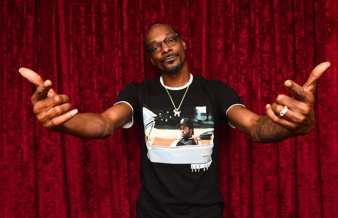 Snoop Dogg and Jimmy Kimmel Return With New 'Plizzanet Earth' Segment