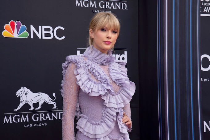 Taylor Swift Shuts Down Interviewer's Question About Having Children