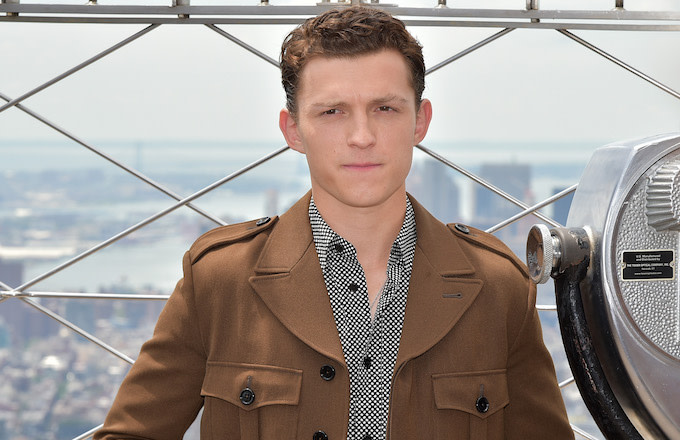 Tom Holland Saves Girl Who Had a 'Panic Attack' From Pushy, Autograph-Seeking Fans