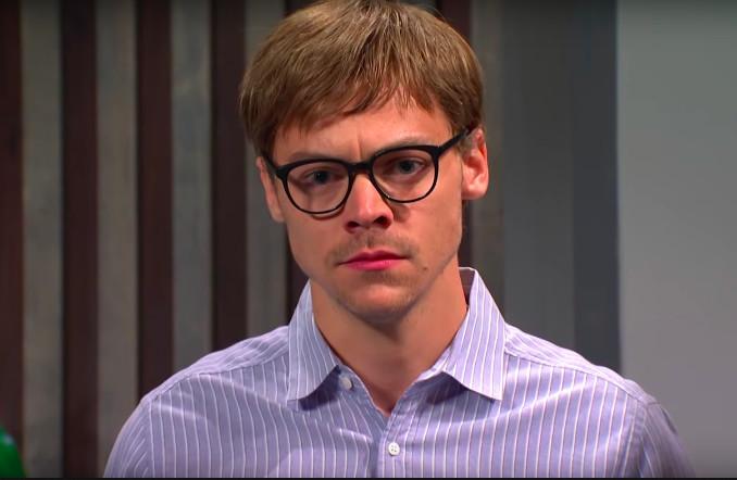'SNL' Parodies Popeyes Chicken Sandwich Craze