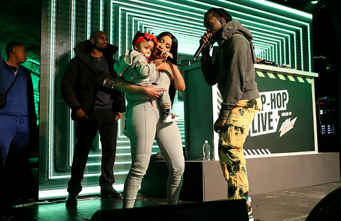 """Watch Offset Bring Out Cardi B and Kulture for His Performance of """"Clout"""""""