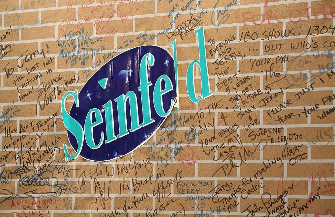'Seinfeld' and 'Friends' Enthusiasts Vigorously Debate Which Classic Series Is Better