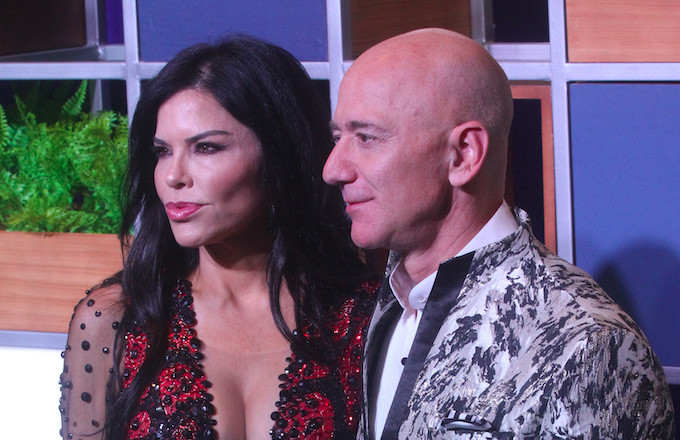 Feds Say Jeff Bezos' Girlfriend Sent Intimate Photos of Amazon CEO to Her Brother, Who Then Leaked Them